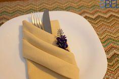 Como montar um porta-talheres com guardanapo de tecido, uma dobradura charmosa, elegante e fácil de fazer.