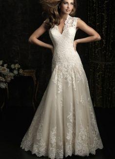 2014 Beautiful A-line V-neck Chapel Train Appliques Wedding Dress