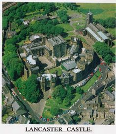 Lancaster Castle, Travel Around The World, Around The Worlds, Morecambe, English Castles, Groot, Old Buildings, British Isles, Palaces