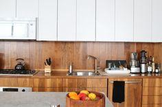 pekné drevo v komb. biela  Freunde von Freunden — Shu Hung and Joseph Magliaro — Designer & Creative Director, Apartment & Store, Southeast Portland, Portland — http://www.freundevonfreunden.com/interviews/shu-hung-and-joseph-magliaro/