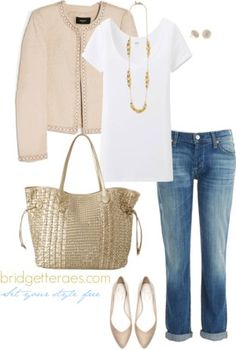 Today's Accesorized 5 Ways is all about the long gold necklace and why you have to have one!