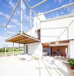 Image 4 of 28 from gallery of MMMMMS House / Anna & Eugeni Bach. Courtesy of Eugeni Bach Sustainable Architecture, Contemporary Architecture, Architecture Design, Porch Architecture, Beautiful Buildings, Beautiful Homes, Rural House, Grey Houses, Modern Houses