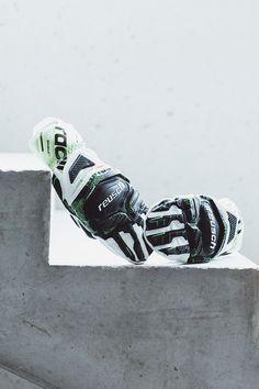 Passendes Wintersportequipment im lässig-lockerem Store mit Sportshop und Skiverleih in Rohrmoos/Schladming. Snowboard, Shops, Concept, Sneakers, Fashion, Tennis, Moda, Tents, Fashion Styles