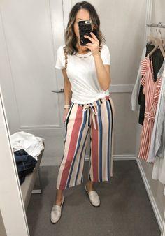 Fashion Pants, Look Fashion, Fashion Outfits, Gigi Hadid Outfits, Summer Outfits, Wide Leg Pants Outfit Summer, Stylish Outfits, Ideias Fashion, Rock