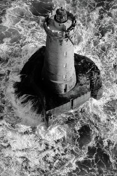 Phare du four (by: frederic.)