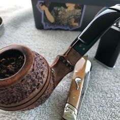 Tobacco Pipe Smoking, Tobacco Pipes, Pipes And Cigars, Slow Burn, Pens, Gentleman, Drinking, Hobbies, Boxes