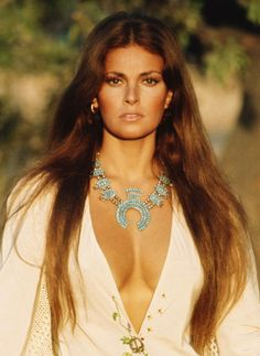 Raquel Welch Raquel Welch in 2020 Hollywood Icons, Hollywood Glamour, Hollywood Stars, Classic Hollywood, Old Hollywood, Rachel Welch, Beautiful Celebrities, Beautiful Actresses, Gorgeous Women