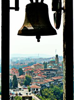 Veliko Tarnovo, Bulgaria [OC] [757 x 1024]