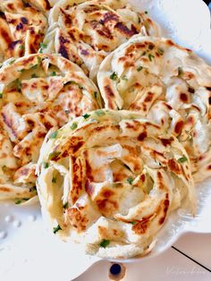very simple crispy layered scallion pancakes ~ highly recommended 超简易版外酥内嫩葱油饼 ~ 强推 – Victoria Bakes Scallion Pancakes, Cabbage, Snacks, Meals, Baking, Vegetables, Chinese Recipes, Food, Onion