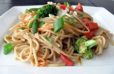 Nutty Noodles with Vegetables from The China Study Cookbook. Super easy and delicious! Plant Based Eating, Plant Based Diet, Plant Based Recipes, Raw Vegan Recipes, Vegetarian Recipes, Healthy Recipes, Vegan Foods, Vegetarian Main Dishes, Vegetarian Cooking