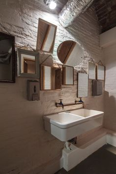 68 Trendy Ideas For Bathroom Design Restaurant Mirror Mexican Restaurant Design, Restaurant Photos, Cafe Restaurant, Restaurant Ideas, Wc Design, Cafe Design, Design Ideas, Loft Cafe, Restaurant Bathroom