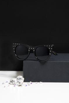 a606fe371e682 Sparkling! Helena Bordon lança versão brilhante de seu (famoso!) óculos  gatinho