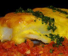 Bacalao con tomate y muselina de ajos Tapas, Cod Fish, Eggs, Beef, Chicken, Breakfast, Spain, Garlic, Salads