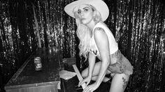 Bud Light x Lady Gaga Dive Bar Tour Lady Gaga estrenará canciones de Joanne en Mini-Tour