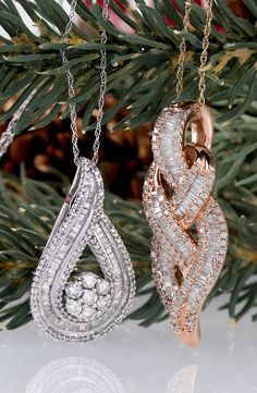 We would love to see these diamonds hanging from our Christmas tree! | Diamond Pendants
