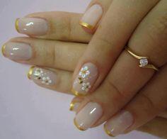 Começando a semana com bastante delicadeza... Os melhores produtos para suas unhas, você encontra em: www.lojadeesmaltes.com.br