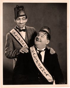 """""""Noch zwei Tage bis zum Freitag, Olli""""  Zum Geburtstag von Mister Oliver Hardy #geburtstag #laurelhardy #oliverhardy #dickunddoof"""