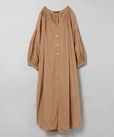 コットンボイルギャザーワンピース【ブラックのみ特別価格】 in 2020 Abaya Fashion, Muslim Fashion, Korean Fashion, Fashion Dresses, Cute Fashion, Look Fashion, Fashion Models, Vintage Fashion, Mode Abaya