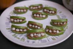 Halloween snacks or Birthday party idea? | I've had these with marshmallows and it was amazing!