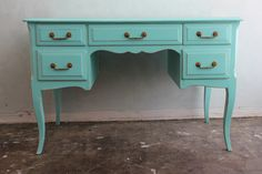Office desk or bar - turquoise is a classic.