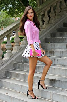 Her legs are yummy! Sexy Outfits, Sexy Dresses, Girl Outfits, Short Dresses, Cute Outfits, Fashion Outfits, Fashion Tips, Beautiful Legs, Gorgeous Women