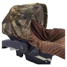 This will be the carseat for Matt's truck haha, gotta throw some camo in for him just to say i TRIED AHAHAHAHAHAHA
