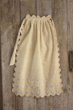 Lovely vintage French country apron ~ Art Deco design ~ light cotton , decorative textile ~ www.textiletrunk.com