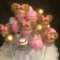 Minnie mouse pink and gold Minnie Maus Cake Pops, Bolo Minnie, Pink Minnie, Mini Mouse Cake Pops, Disney Cake Pops, Mickey Cakes, Minnie Mouse 1st Birthday, Minnie Mouse Theme, Minnie Mouse Baby Shower