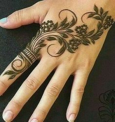 Mehndi Designs: Simple And Easy Henna Palm Mehndi Design, Latest Henna Designs, Floral Henna Designs, Finger Henna Designs, Henna Art Designs, Mehndi Designs For Girls, Mehndi Designs For Beginners, Modern Mehndi Designs, Mehndi Design Photos