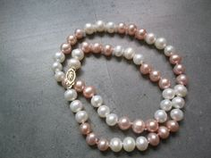 XaXe.com - 17'' white and pink freshwater pearl necklace