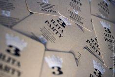 Односторонняя печать в два цвета, скругление углов, дизайн и типографика - 6hands workshop.   #приглашения #свадебные #корпоративные #высокаяпечать #крафт #бумага #тиснение #дизайн #типографика #letterpress #6hands #design