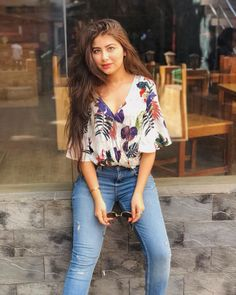 Aditi bhatia N Indian Teen, Indian Girls, Indian Star, Casual College Outfits, Trendy Outfits, Aditi Bhatia, Sonakshi Sinha, Teen Photography Poses, Cute Girl Photo