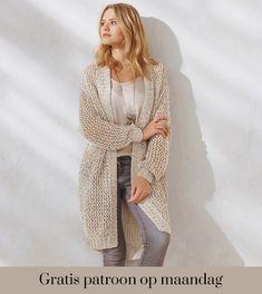 Ontvang ieder montag het gratis p. Gratis patroon op montag - Breipatroon W. Knit Cardigan Pattern, Vest Pattern, Knit Vest, Crochet Cardigan, Gilet Mohair, Knitting Patterns Free, Loom Knitting, Crochet Wool, Lace Socks