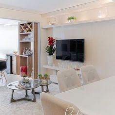 Mais inspirações... Tudo clarinho na sala integrada à varanda gourmet. Amei Projeto Studio It Decor | foto @fellipelima.fotografia  Me encontre também no @pontodecor {HI} Snap:  hi.homeidea  http://ift.tt/23aANCi #bloghomeidea #olioliteam #arquitetura #ambiente #archdecor #archdesign #hi #cozinha #homestyle #home #homedecor #pontodecor #homedesign #photooftheday #love #interiordesign #interiores  #picoftheday #decoration #world  #lovedecor #architecture #ambientesintegrados #inspiration…
