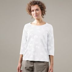 """OSKA SHIRT """"CLAUDY"""" is a simple, jersey shirt that matches the OSKA collection's colours. It has flattering three quarter length raglan sleeves and scoop style neckline is unobtrusive under tops. 70%organic cotton 30% hemp"""