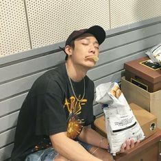 He looks hot thO😔😔💖💖💖 Boyfriend Pictures, My Boyfriend, Rapper, Ikon Member, Ikon Kpop, Jay Song, Ikon Wallpaper, Bobby S, Kim Ji Won