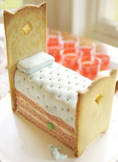 PRINCESS & THE PEA CAKE