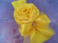 linda faixa amarela na meia de seda para bebes a partir de 5 meses.. R$18,90