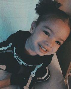 Bryson tiller's daughter ❤| @femalesosaa⚓