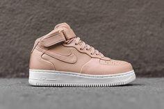 Nike Air Force 1 (Vachetta Tan)