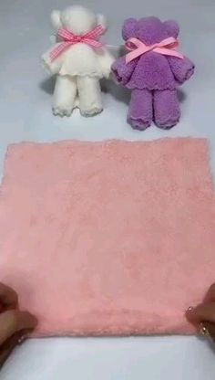 Towel carries step by step Learn how to make cute teddy bears for souvenirs artesanato diy video crafts manualidadesLOVE these DIYs! 😍😍 DIY barbie shoesDIY barbie shoesTowel Bears step by step Learn how to make Diy Crafts Hacks, Diy Crafts For Gifts, Diy Home Crafts, Diy Arts And Crafts, Cute Crafts, Creative Crafts, Diy Projects, Diys, Diy Para A Casa