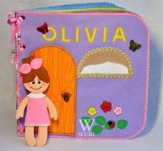 Casa de muñecas libro tranquila / 8 páginas / fieltro libro tranquila / ocupado libro / hecho a mano / juguete/personalizado de viajes disponibilidad libro / hecho por encargo