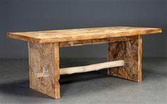 Spisebord fremstillet af rodtræ i mosaik mønster.  H. 77 B. 89 L. 200 cm.  Bordet er fremstillet af rodtræ fra østen, og tørrevner kan forekomme.
