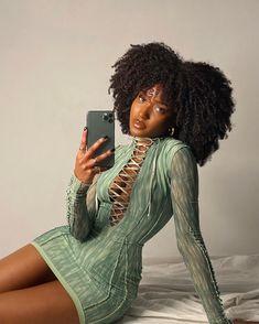 Beautiful Black Girl, Pretty Black Girls, Mode Outfits, Fashion Outfits, Fashion Fashion, Vintage Outfits, Vetement Fashion, Brown Skin Girls, Black Girl Aesthetic