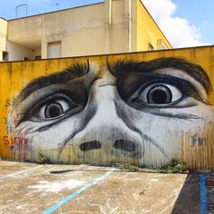 Ben Slow was also invited by the good lads from the ViaVai Street Art Festival to paint on the streets of Casarano in Italy.