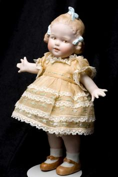 "9"" Heubach All Bisque girl with three molded bows! Hard to find!  0490c.jpg (700×1050)"