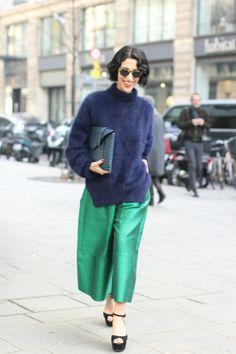 #yasminsewell #navy #jumper #shiny #trousers #look #streetstyle #street #women  by #sophiemhabille