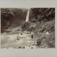 Tjoeroekwaterval te Bandung, anonymous, c. 1895 - c. 1915 - Rijksmuseum