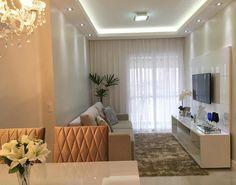 Aquela sensação de paz , de ver tudo arrumadinho , é tão bom né ! #homesweethome #apartamentopequeno #sala #decor #clean #iluminacao #instadecor #home #minhasalaclean #interiordesing #arquitetura #50tonsdebege