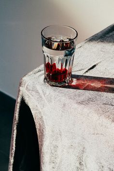 PHOTOGRAPHY: VlvelvetLondon-based mixed media artist and documentary photographer Mon Levchenkova (monkier: Vlvelvet) has a knack for beautifully capturing still life. Glass Photography, Still Life Photography, Coffee Photography, Photography Tips, Images Esthétiques, Fru Fru, Still Life Photos, Light And Shadow, Food Styling